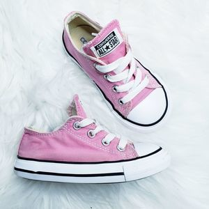 Converse all stars pink low top sneaker